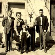 Franzund Martha Wickenhäuser mit den Söhnen Kurt, Dieter und Horst