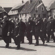 Ehrengäste beim Festzu 1956 zum 25jährigen Jubiläum