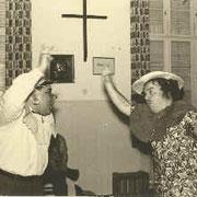 Kastner Schorsch und Grässer Karle in einem Lustspiel im Theresienhaus 1960