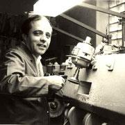 Horst Wickenhäuser in der Werkstatt