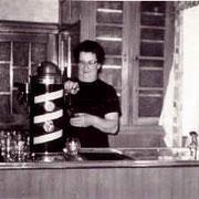 Katharina beim letzten Bierausschank 1972