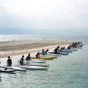2013年度は西表島の北に位置するサンゴのかけらで出来たバラス島からスタート