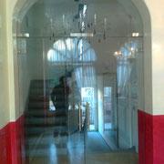 Porta vetrata con Sopraluce