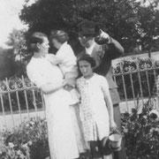 Marie RENAULT, Louis JAFFRAIN, René JAFFRAIN (Trémeur, 1939)