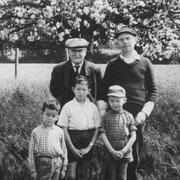Grand père, père et garçons RENAULT (Trémeur, 1962)