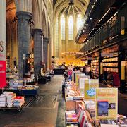 © Reto Guntli, Gerstenberg Verlag, Hildesheim (Das Bild zeigt die Buchhandlung Selexys in der ehem. Dominikanerkirche von Maastricht)