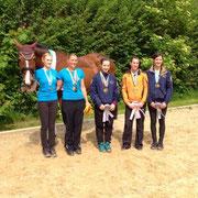 Theresa Schmidt, 2. Platz Senior-Einzel und Inka Frank, 3. Platz Senior-Einzel
