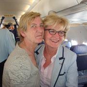 Dans l'avion, rencontre de deux filles d'anciens de Bir Hakeim : Blandine Bongrand Saint Hillier et Marie-Claude Jarrot