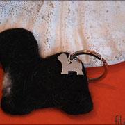 Tibet Terrier ohne Details, mit TT Schmuckanhänger, ca. B75 x H65 x T5mm (44 €*)