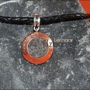 """""""Medaillon-Kupferton""""mit Schmuckanhänger und geflochtener Lederkette (45 € *)"""