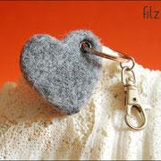 """Schlüsselanhänger """"Herz"""" ca. B45 x H45 x T7mm(25 € *)"""
