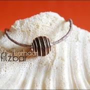 Armband geflochtenes Leder und Spiralkugel (33 € *) - als Kette bis 50 cm (45 € *)