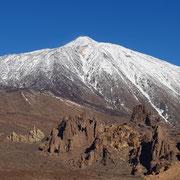 schneebedeckte Südseite des Pico del Teide