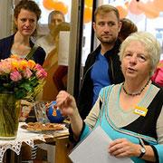 Elke Braun bedankt sich bei den fleißigen Ladenteamern