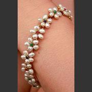 """SW-17.Изысканный браслет """"Цветочная роскошь"""". Литая форма браслета из ювелирного сплава с 18К позолотой, декор натуральными камнями жемчуга, рубина, сапфиров и изумрудов.Ручная работа. Цена 320$"""