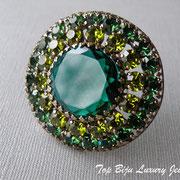 П-763.Коллекционная брошь1960 года из коллекции India Inspired компании Weiss.(см раздел Имена). Мечта любого коллекционера, очень редкая, шикарная брошь выполнена из хрусталя в алмазной огранке, все камни на крапанах.