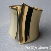 П-750.Широкий стильный браслет от американского дизайнера Роберта Грациано. Ювелирный сплав под золото. Повтор под заказ