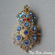 """П-779.Винтажная брошь """"Орден"""" от дизайнера Джоан Риверс. Длина 7.5см, ювелирный сплав под состаренное золото, сверкающие камни Сваровски разнообразной формы и размера."""