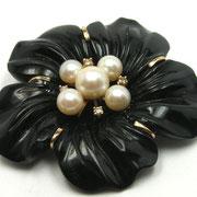 П604.Эксклюзивная винтажная брошь из черного агата и натурального жемчуга.