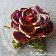"""П-748. Брошь """"Роза"""" из коллекции, которая на сегодня не выпускается, дизайнер Джоан Риверс(см. раздел Имена).Красивая, многослойная брошь в витражном исполнении, эффект 3Д, ювелирный сплав под золото. Маркирована,"""