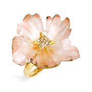 П596.Нежное кольцо от супер популярного американского дизайнера Alexis Bittar . 18К позолота, кристаллы Сваровски, люцит. Возможна покупка поз заказ.
