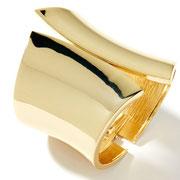 П661. Широкий дизайнерский браслет от Грациано, хит сезона 2011-2012. Литая форма из ювелирного сплава под золото, замок пружина. Подойдет на любое запястье.