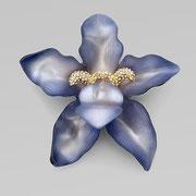 """П-716. Брошь от американского дизайнера Алекса Биттара """"Орхидея"""". Люцит, позолота, камни Сваровски."""