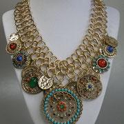 """П-1047.Колье """"Марокканская ночь"""" в ювелирном сплаве под золото или серебро от знаменитого американского дизайнера Р.Грациано. Интересный дизайн, декор элементами Сваровски. Максимальная длина 55см."""