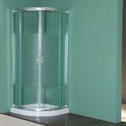 """MAMPARA DE DUCHA MODELO """"PAMPLONA"""".Semicircular de ducha con 2 hojas fijas y 2 correderas."""