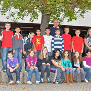 Klasse 5a mit ihrem Klassenlehrer Uli Schmidt.