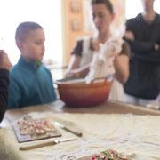 """Atelier culinaire de Lady Marmelade - Lucille Quataert - """"Régalez-vous !"""" - photo : A.Ghys"""