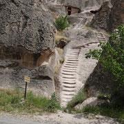 l'escalier et en haut l'église