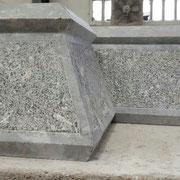 Cenefa en piedra gris Deba