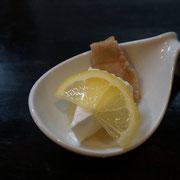 浜千鳥、純米酒一升を一合になるまで煮詰めて作ったシロップをかけて