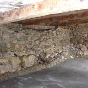 Vieux mur en pierres avant