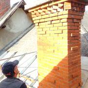 Cheminée restaurée en briques