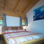1. Schlafzimmer Ferienwohnung Heuberg