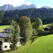 Blick vom Balkon auf das Kaisergebirge