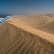 the long wall – sandwich harbour near wallis bay, Namibia 2015, nikon d810, 24mm, f9, 1/250 sec., iso 100