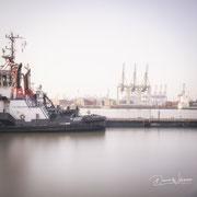 moin hamburch!   tugboat   hamburg   germany 2019