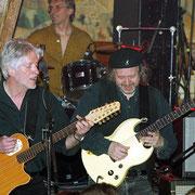 Paul Vincent neben Wolle Kriwanek beim letzten Konzert am 9. April 2003 in der Belinda in Sulzbach. (Foto: Edgar Layher)
