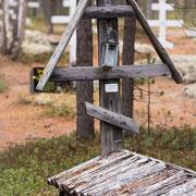 Altes Kreuz auf dem Friedhof.