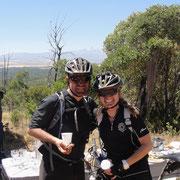 Waterpoint mit Brownies, Spinatkuchen und Sicht auf den Mount Kenya