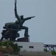 Überall Kriegsdenkmäler - noch ist der zweite Weltkrieg noch ganz großes Thema