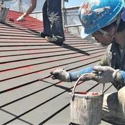 ④鋼板の折返し個所が錆びやすい。