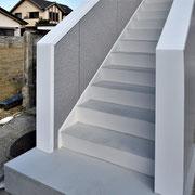 ⑧階段周りも爽やかに!