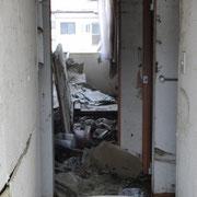 被災地のアパート一室