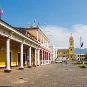 """Unser toller Stellplatz an der """"plaza grande"""" neben der Kathedrale...."""
