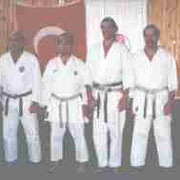 Von links: Shihan Jean-Pierre Malmary, Sensei Hassa Tüfekci (Dojoleiter Manavgat), Shihan Norbert und Didi Haas senior