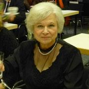Die Leiterin unsres Jugendchores, Frau Labudde